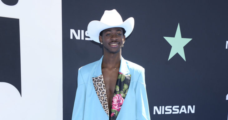 Lil Nas X seemingly comes out in Pride Day post: 'Thought it was obvious' – Entertainment Weekly News