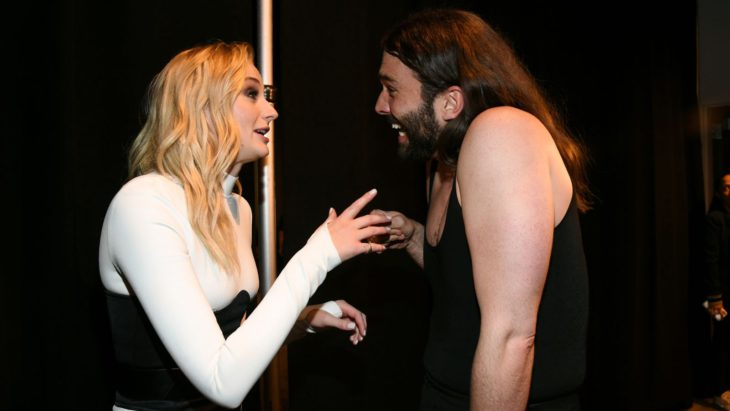 Watch Sophie Turner and Queer Eye's Jonathan Van Ness squee over each other at the VMAs