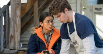 Netflix's Teen Dramedy The Half of It Is Sweet, Funny and Raw as a Scraped Knee