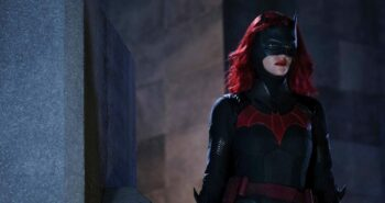 """'Batwoman' Casting Controversy Leads To Showrunner Promising The Show Won't Add To """"Bury Your Gays"""" Trope"""