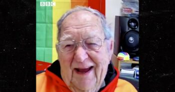 90-Year-Old Man Comes Out To Gay Daughter