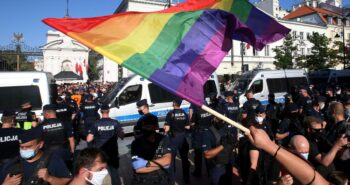 Polish nationalists and LGBT activists face off in Warsaw – Reuters